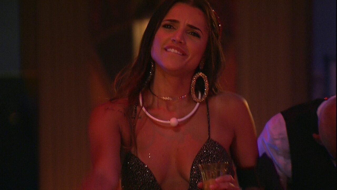 Paula dança hit de Jessie J na Festa A Era do Rádio