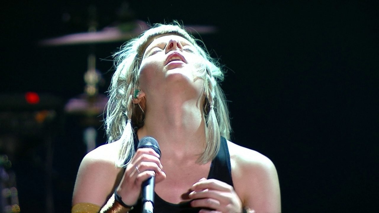 Aurora canta Running with the Wolves no Lollapalooza 2018