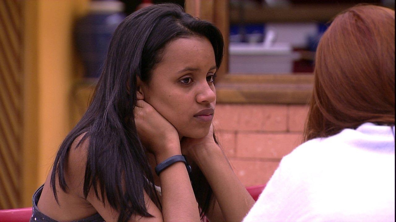 Gleici pergunta a Ana Clara: 'Será que o Kaysar sai?'