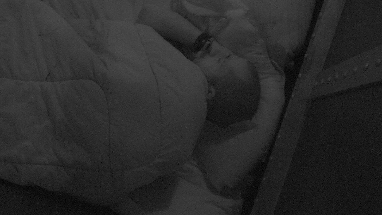 Kaysar segue dormindo depois de noite de eliminação
