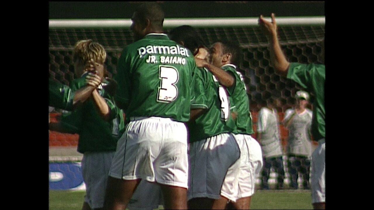 Em 1999, Palmeiras vence o Corinthians por 3 a 1 pelo Campeonato Paulista