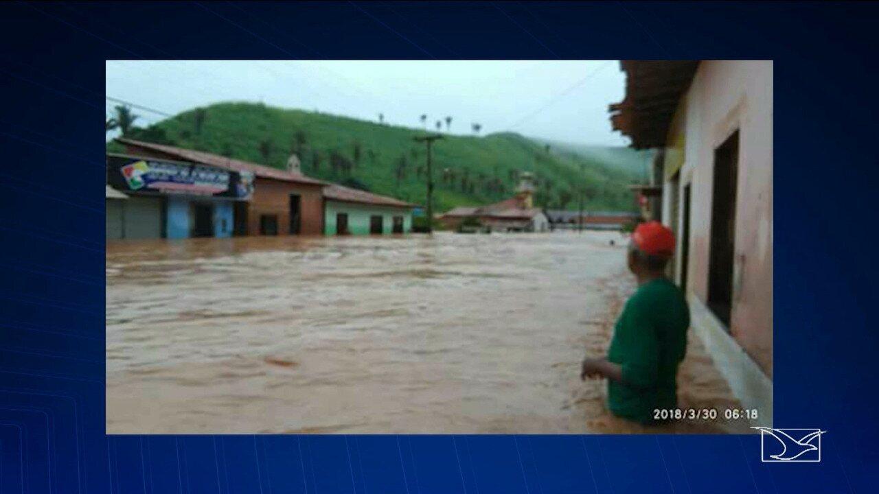 Marajá do Sena fica alagada após forte chuva no Maranhão