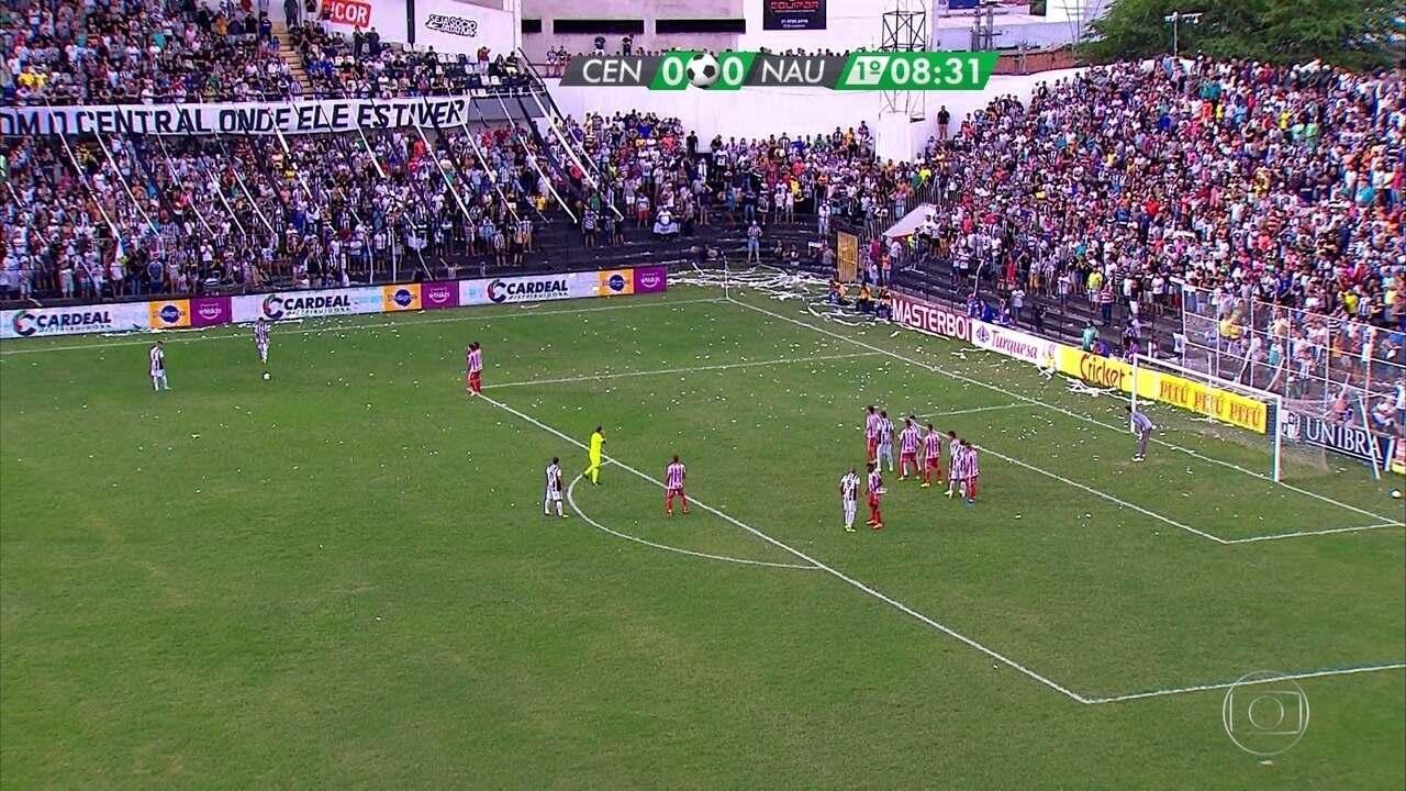 Melhores momentos de Central e Náutico no primeiro jogo da final do Pernambucano 2018