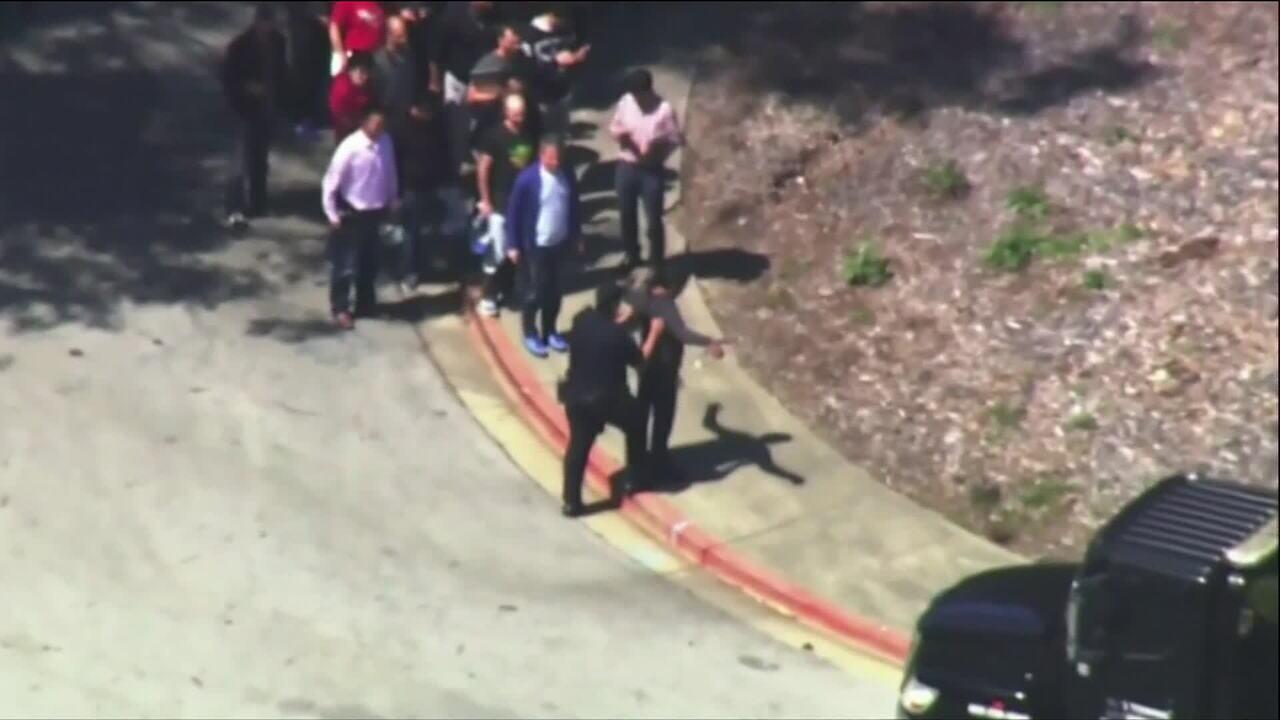 Polícia é acionada após relatos de tiros na sede do YouTube, nos EUA