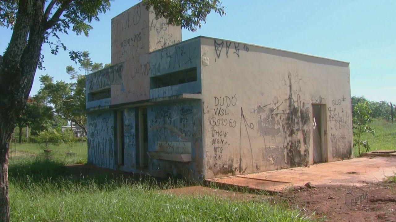 Situação de abandono de Centro Esportivo de Araraquara, SP, preocupa moradores