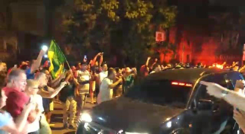 Veja chegada de Lula à Superintendência da PF em São Paulo