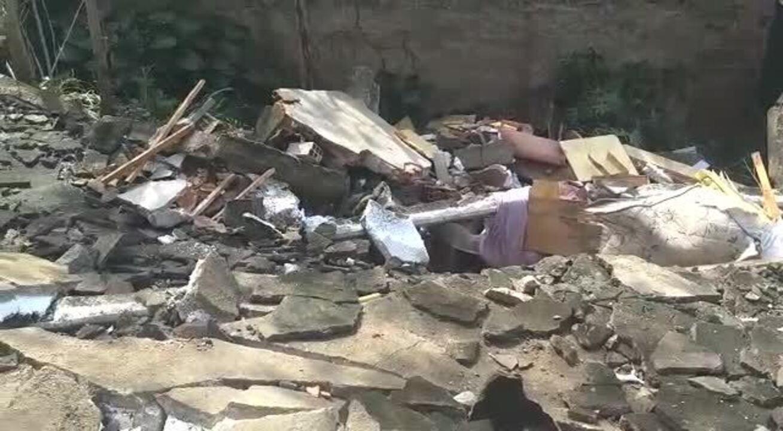 Vídeo mostra situação da casa que desabou em Ilha das Flores, Vila Velha