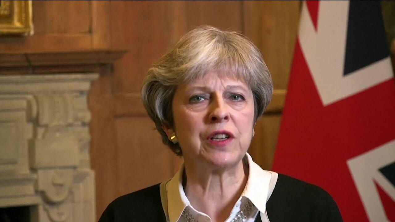 May diz que ataque na Síria não tem como objetivo mudar regime