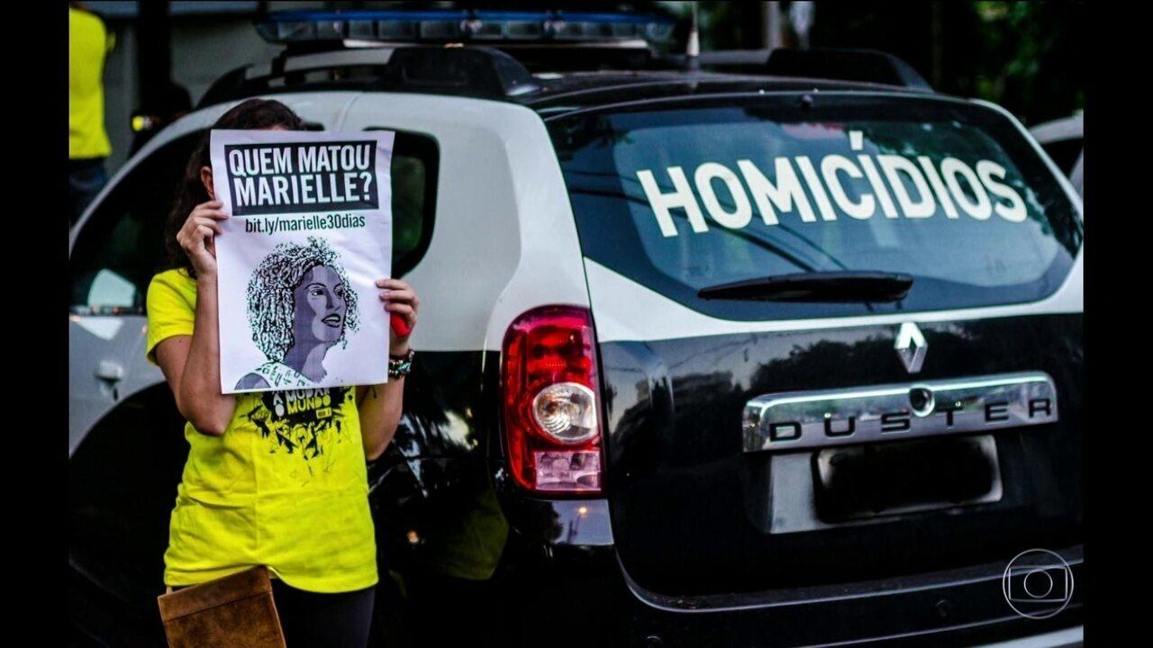 Vereador presta depoimento sobre assassinato de Marielle Franco, no Rio