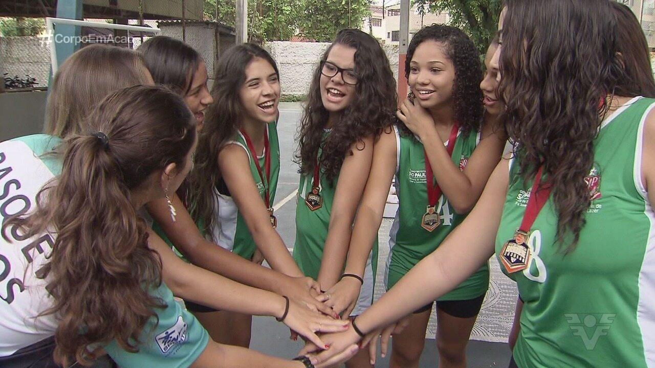 Escolas comemoram o tricampeonato da Copa TV Tribuna de Basquete Escolar