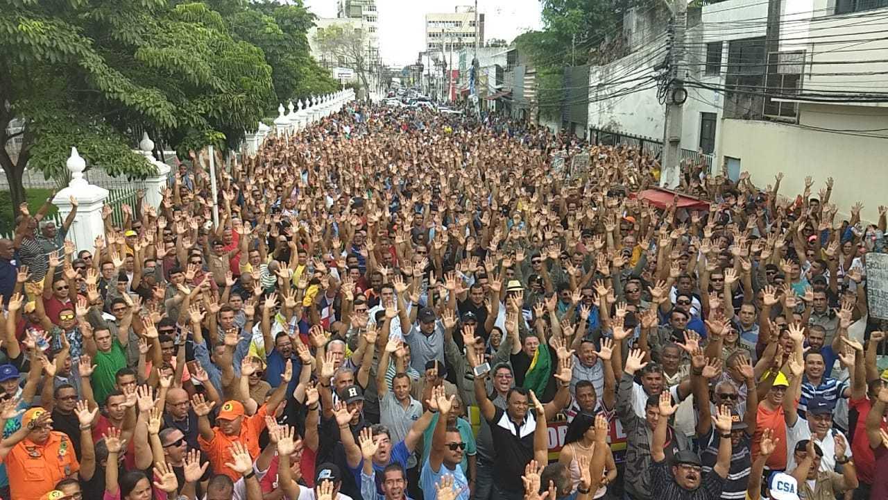 Militares de Alagoas rejeitam proposta de ajuste salarial feita pelo Governo do Estado