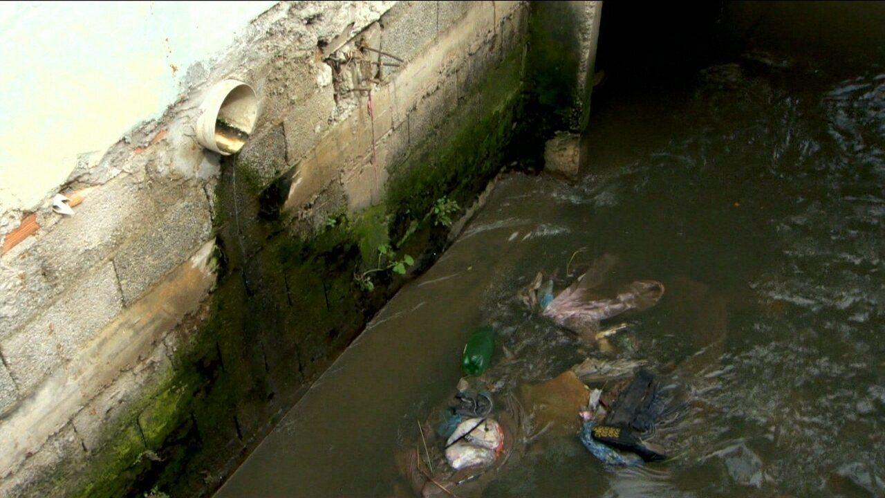 Mais de metade do esgoto coletado no Brasil é jogado na natureza