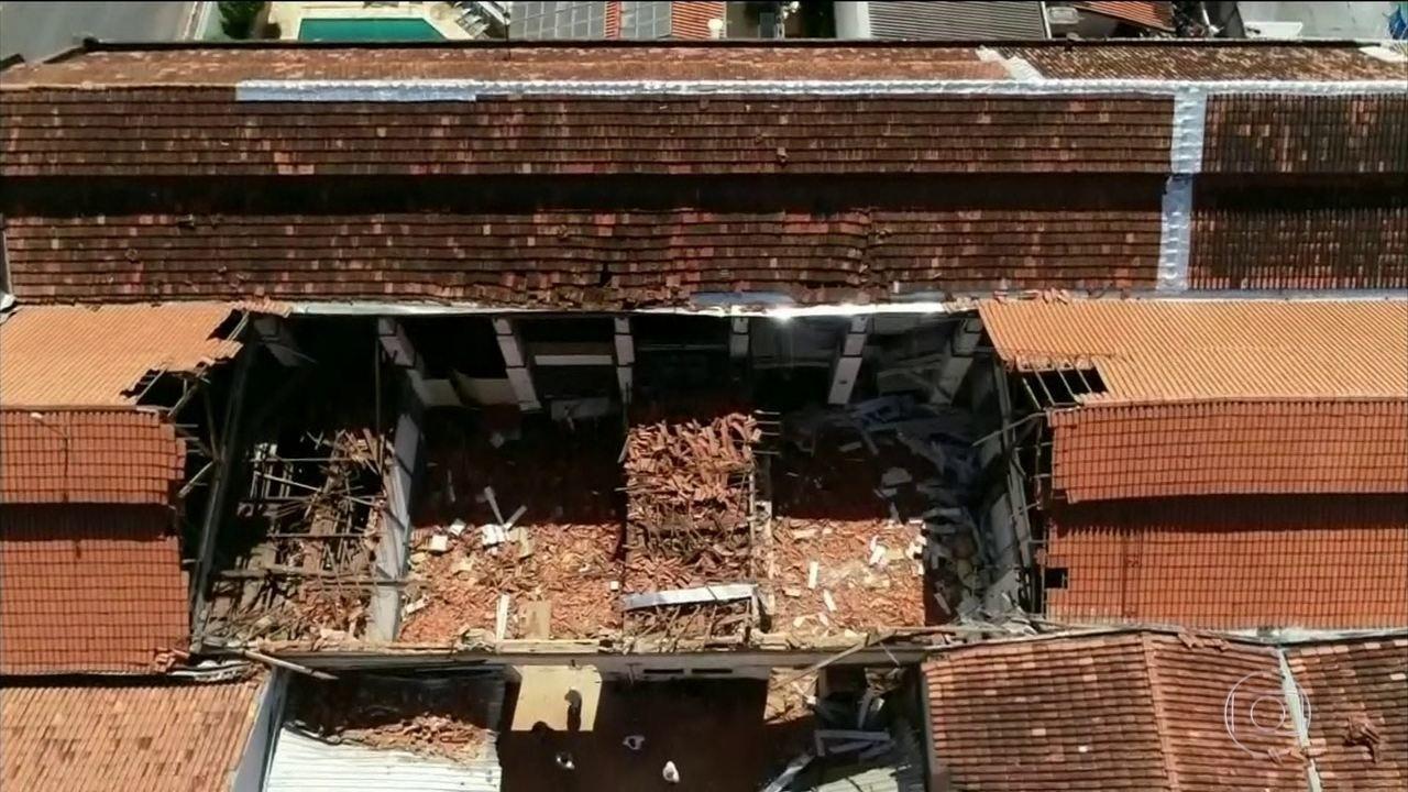 Telhado de creche desaba e deixa 20 feridos em Agudos (SP)