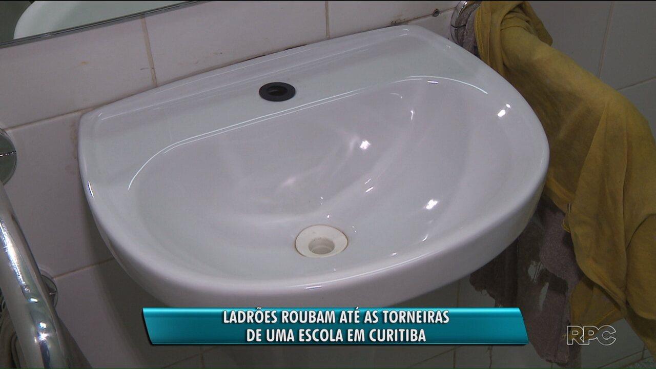 Suspeitos furtaram torneiras de banheiros e bebedouros e deixaram alunos sem água, em escola municipal de Curitiba