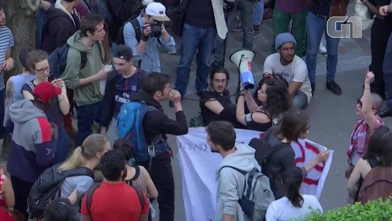 Polícia francesa realiza desocupação de universidade
