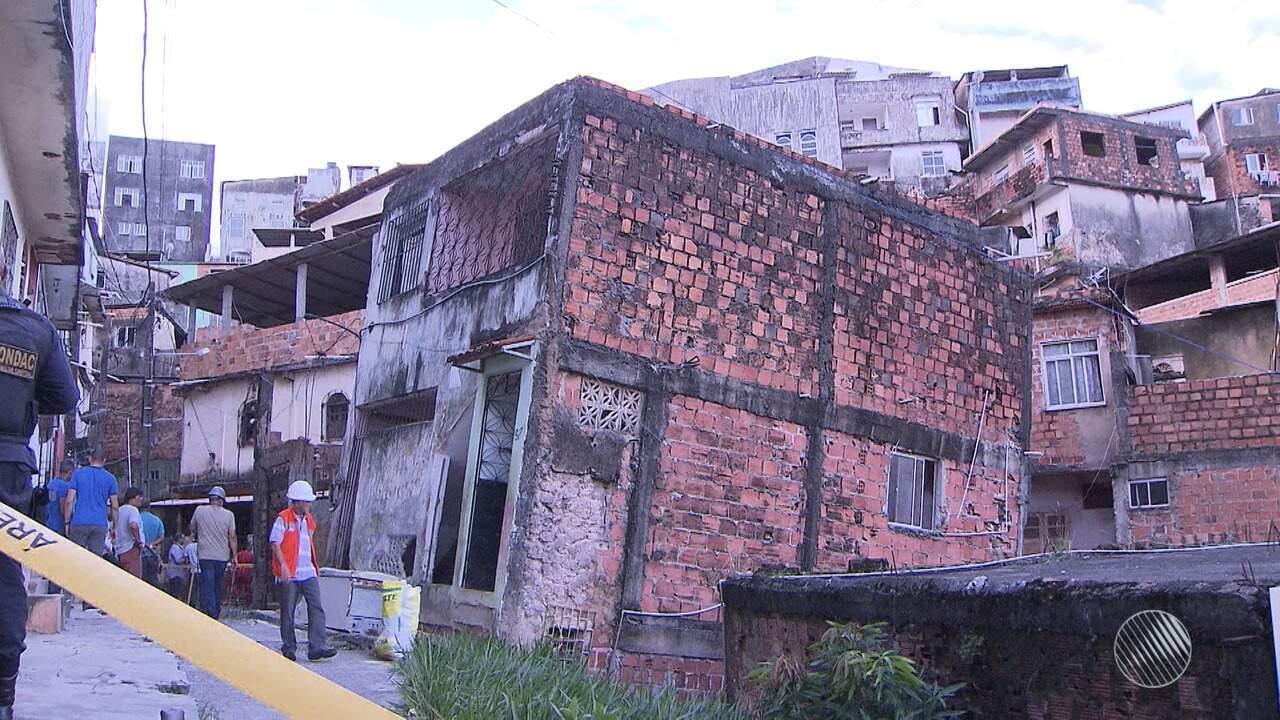Prédio de três andares desabou parcialmente no IAPI