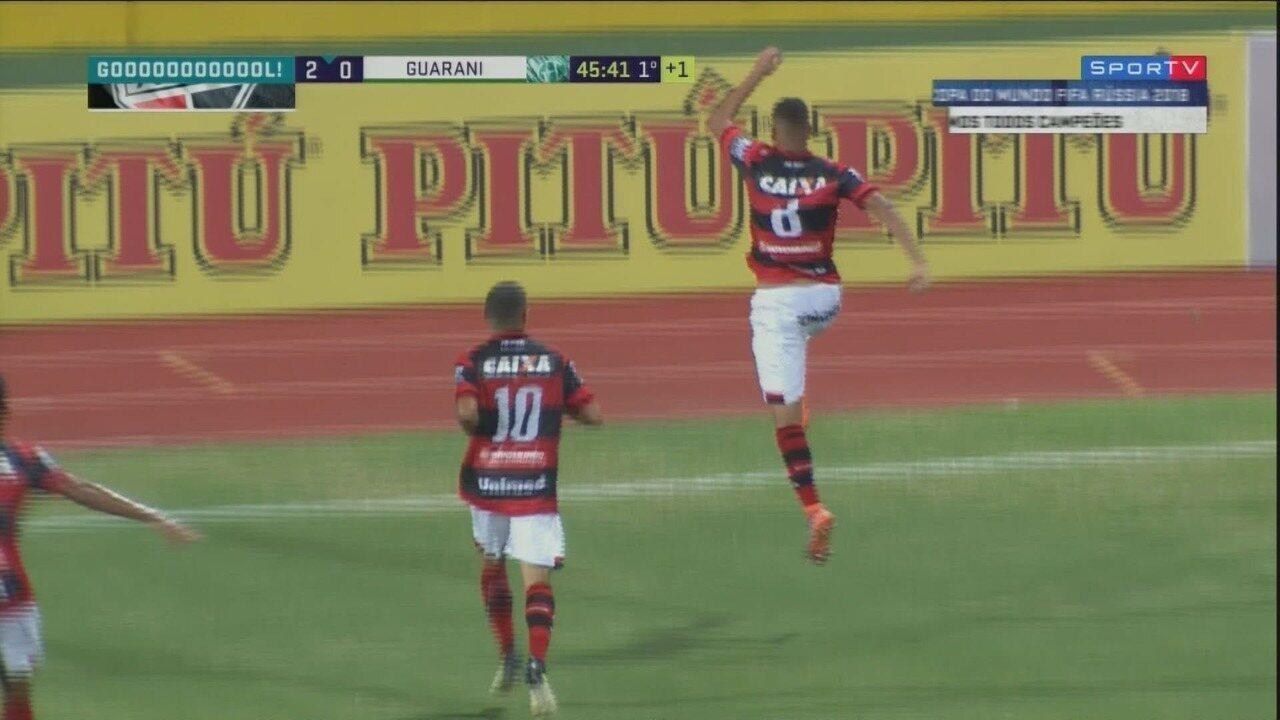 Gol do Atlético-GO! Fernandes amplia o placar aos 45 do primeiro tempo
