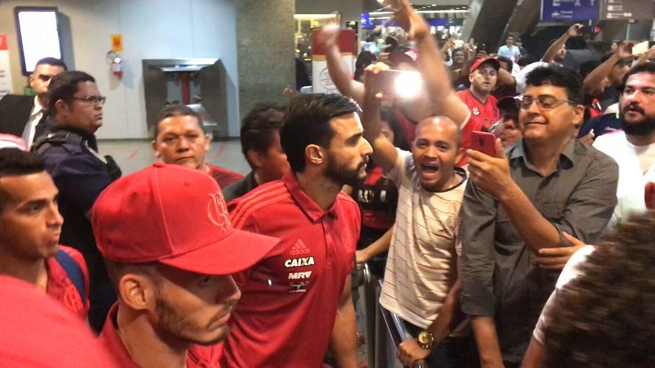 Confira o desembarque do Flamengo em Fortaleza