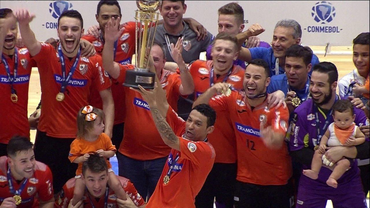 Os gols de Carlos Barbosa 4 x 1 Joinville pela final da Taça Libertadores  de Futsal 72136bc879b16