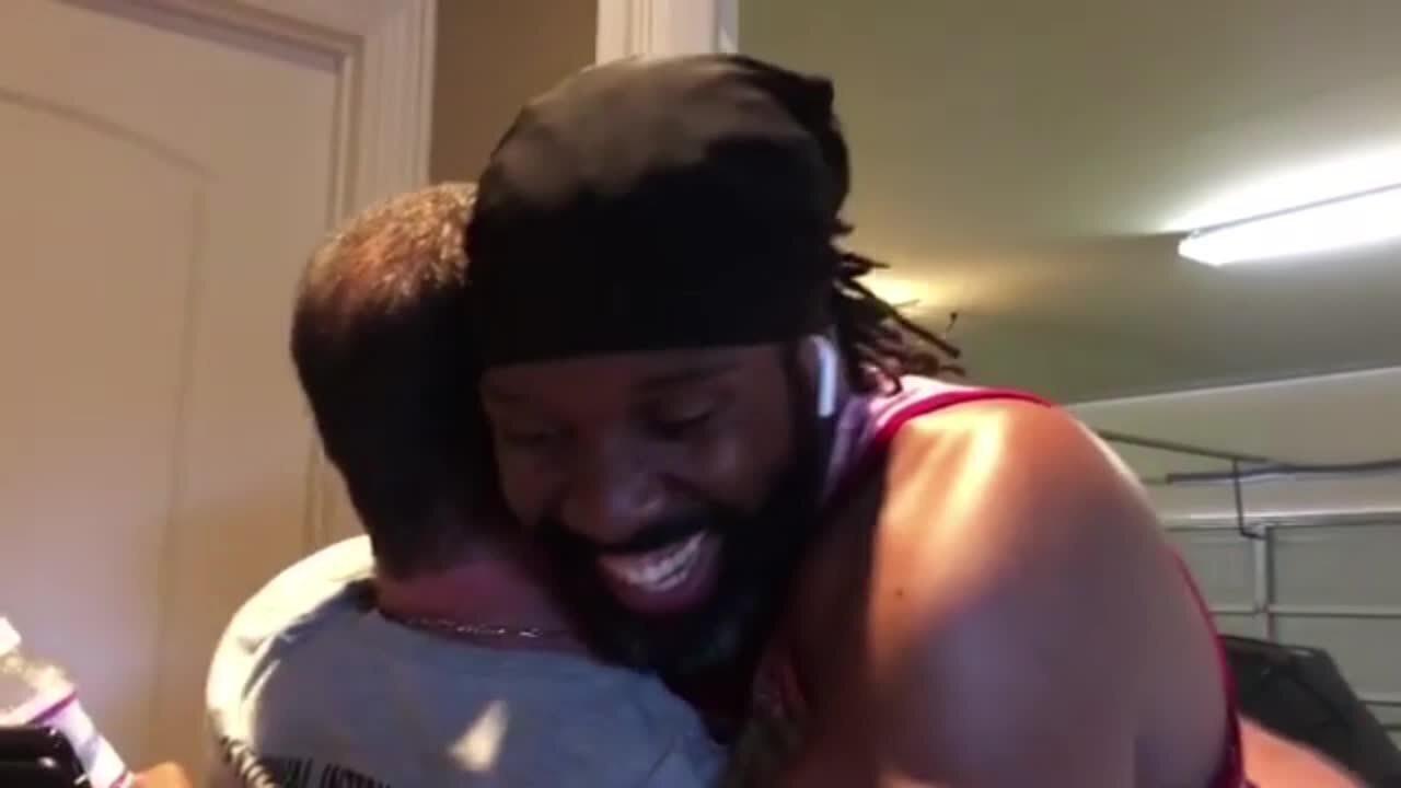 Em Houston, Nenê tem encontro surpresa com seu primeiro técnico de basquete