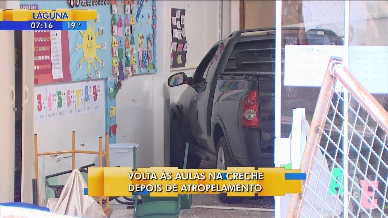 Alunos e professores retornam às aulas após carro invadir creche em Chapecó