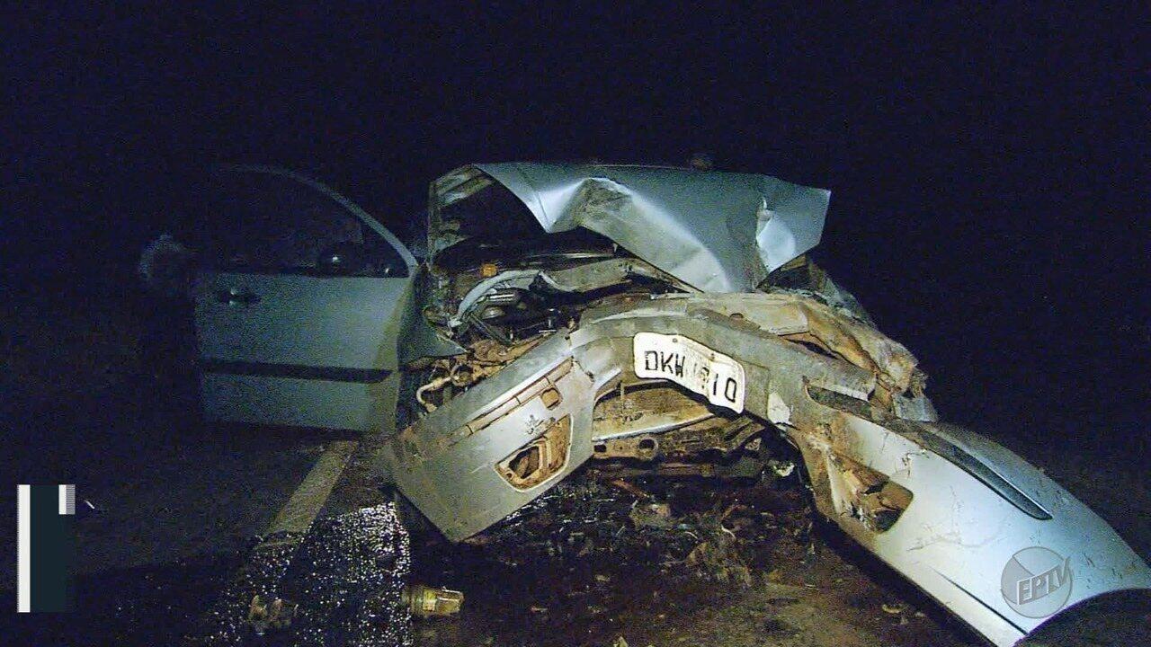 Homem morre e mulher fica ferida em acidente em Batatais, SP