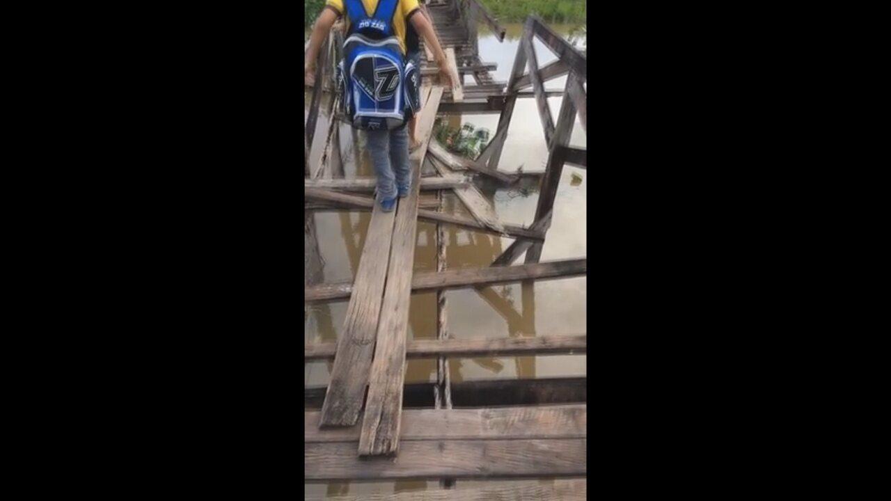 Ponte sobre canal na Zona Sul de Macapá ameaça cair