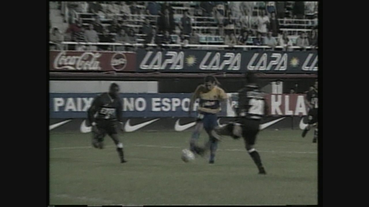 Na Argentina, Galo arranca empate diante do Boca e se classifica na Copa Mercosul de 2000