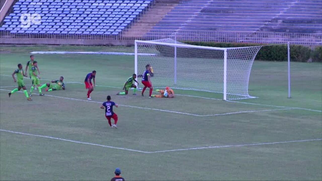 Chapinha perde chance de marcar para o 4 de Julho em jogo com o Cordino em Teresina; veja