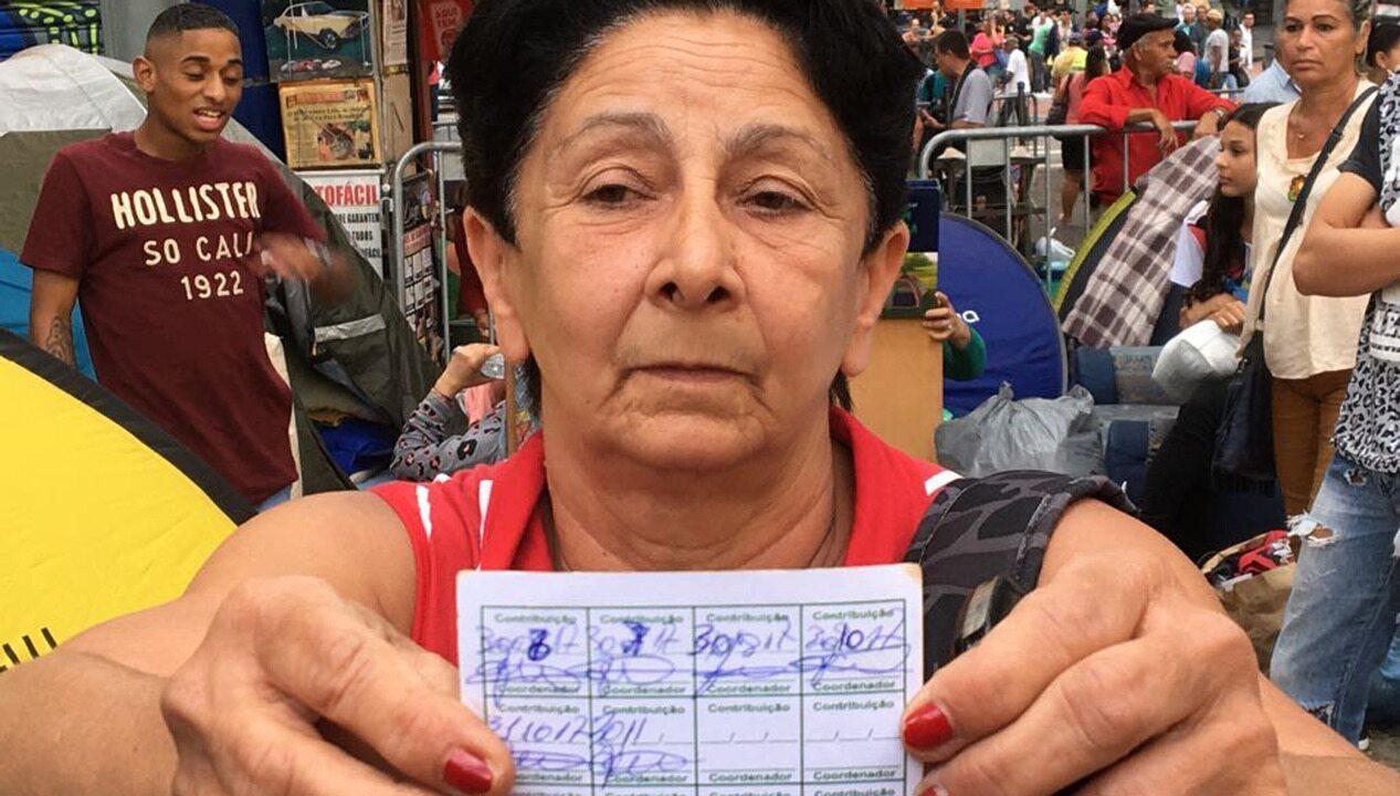 Moradora de prédio que caiu reclama de cobrança de organizadores de ocupação
