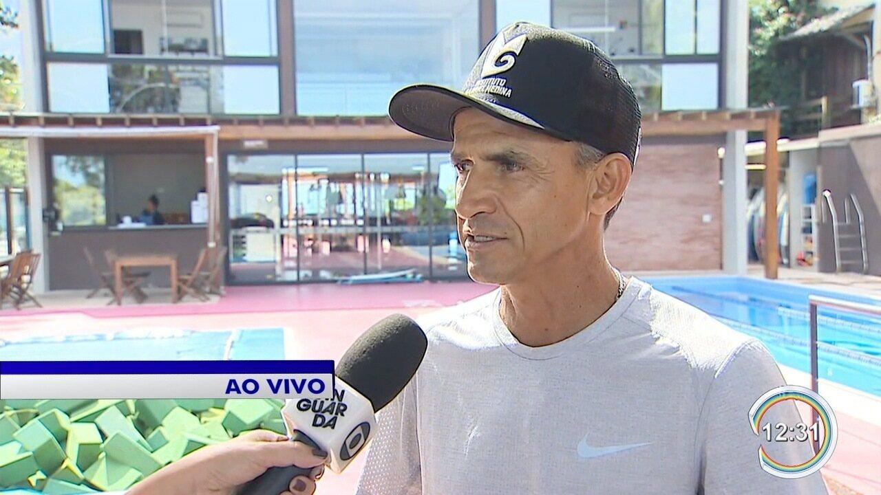 Vanderlei Cordeiro de Lima visita instituto de Gabriel Medina em São Sebastião