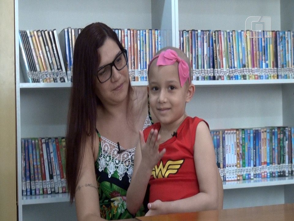 Resultado de imagem para Mães de crianças com câncer do RJ esbanjam força durante tratamento dos filhos