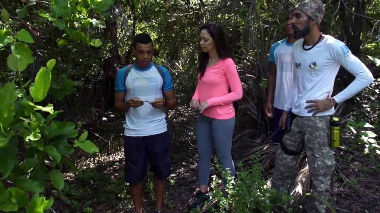 Em Praia do Forte, Briza Menezes faz uma trilha de 7 km pela Mata Atlântica