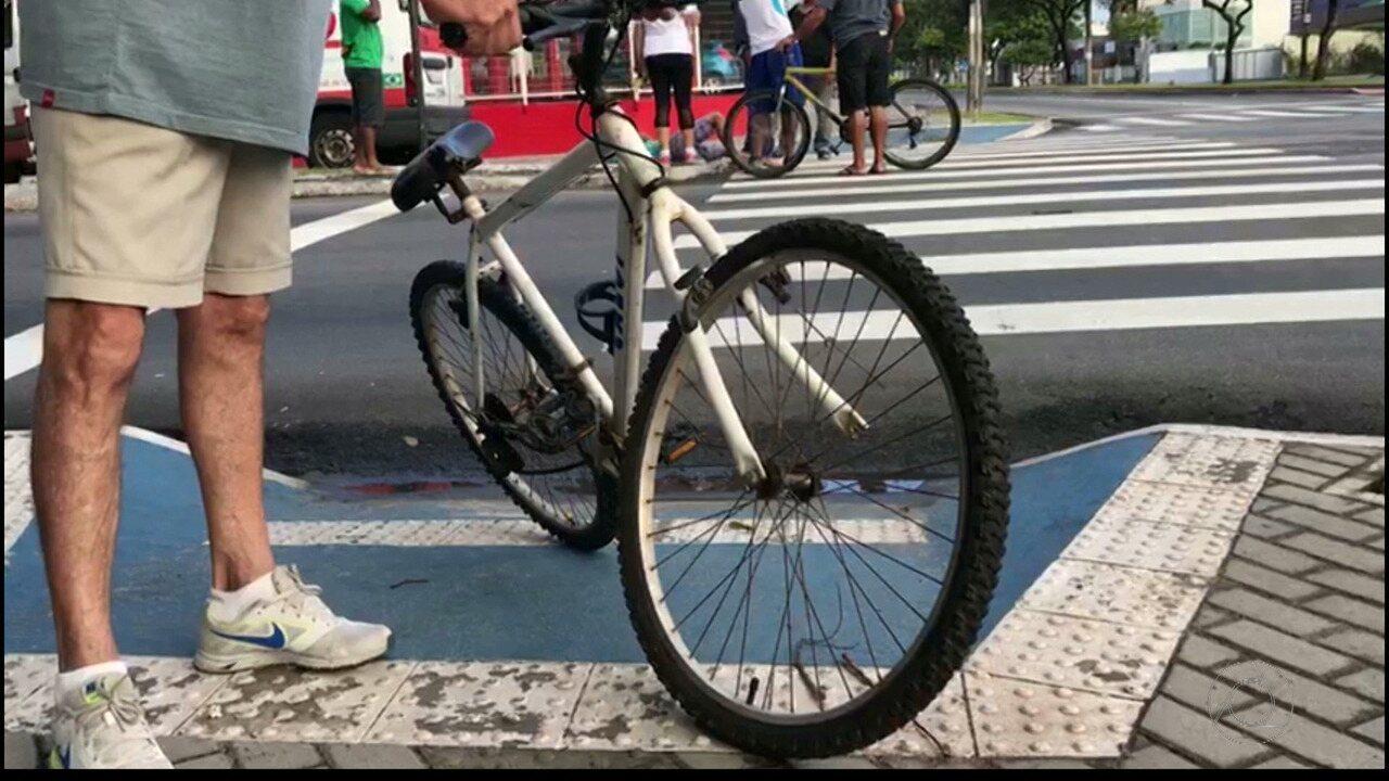 Ciclista é atropelado por carro na avenida Beira Rio