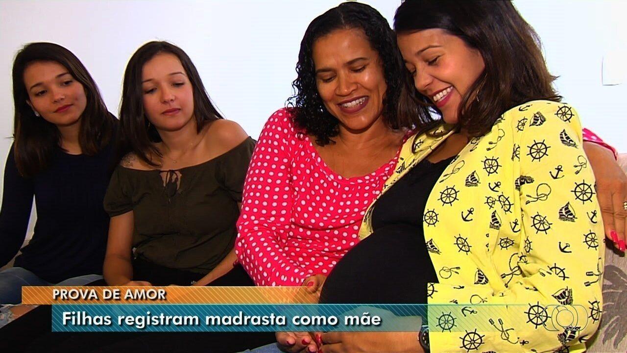Quatro irmãs conseguem na Justiça incluir o nome da madrasta nos documentos, em Goiânia