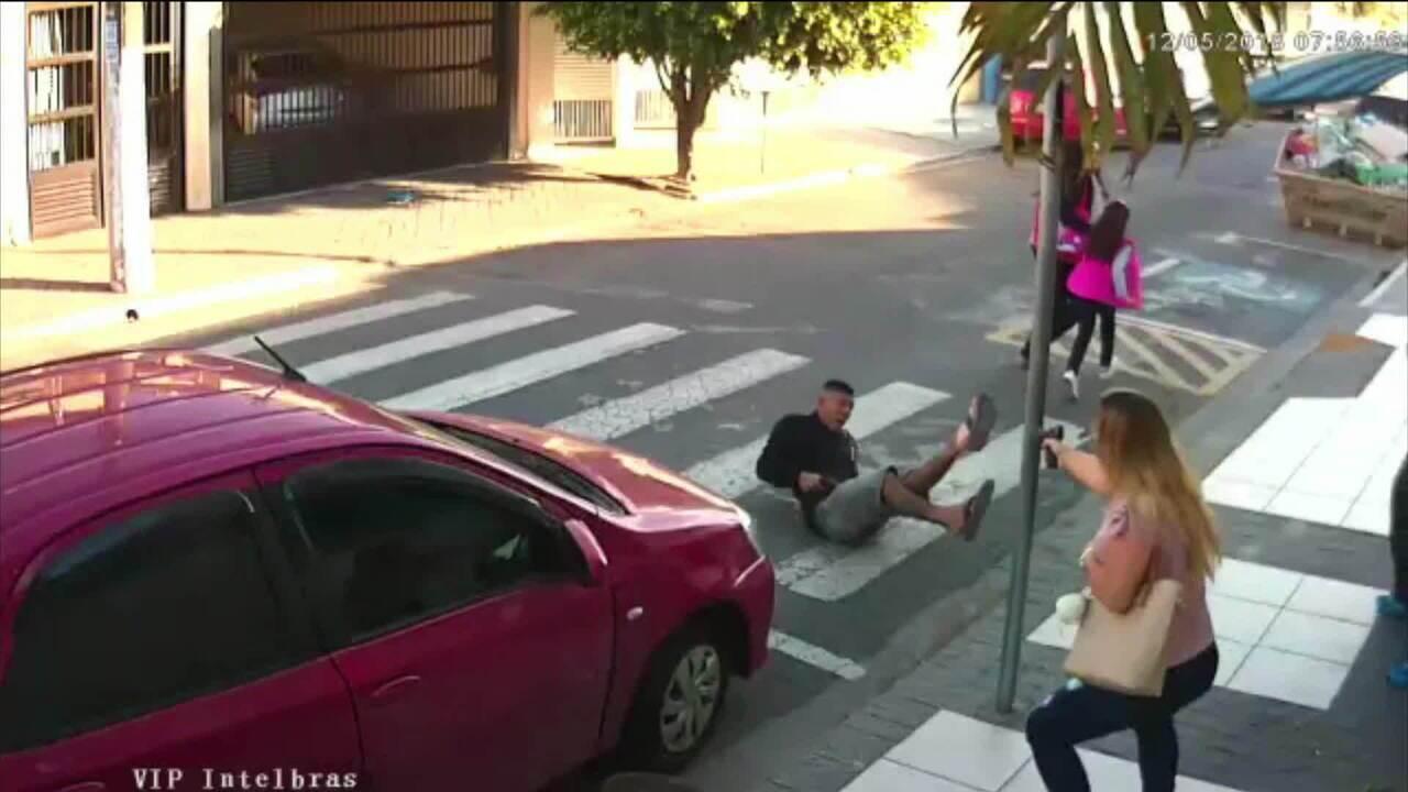 PM de folga mata ladrão armado diante de escola, em São Paulo