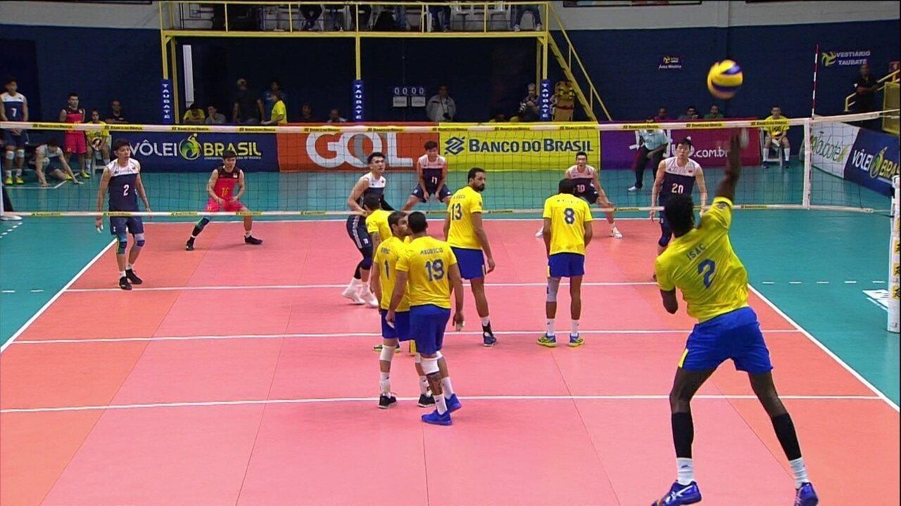 Melhores momentos de Brasil 3 x 1 China no amistoso de vôlei masculino