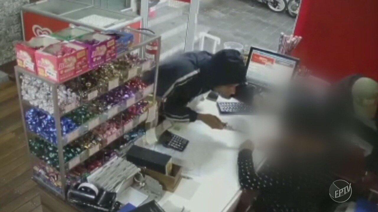 Vídeo de circuito de segurança mostra assalto em padaria de Americana