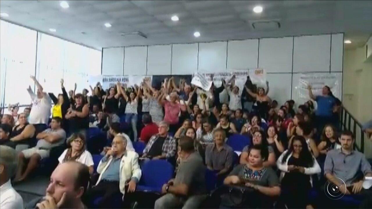 Grupo protesta contra fechamento da UPH Zona Leste em Sorocaba