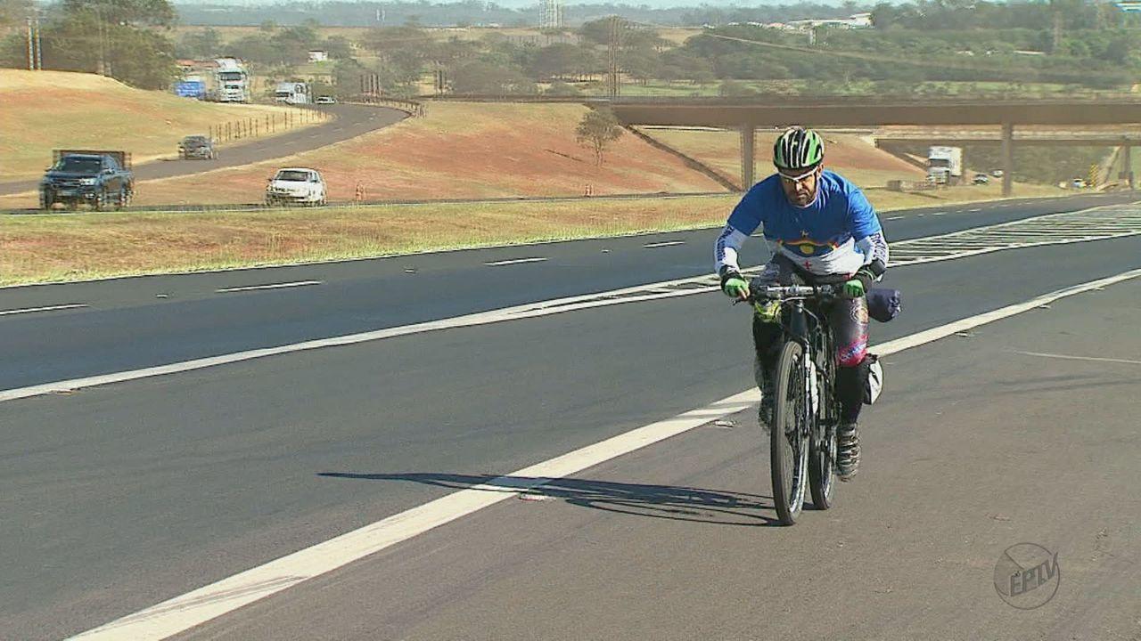 Fotógrafo pernambucano pedala 2,9 mil km em 24 dias para visitar parentes em Araraquara