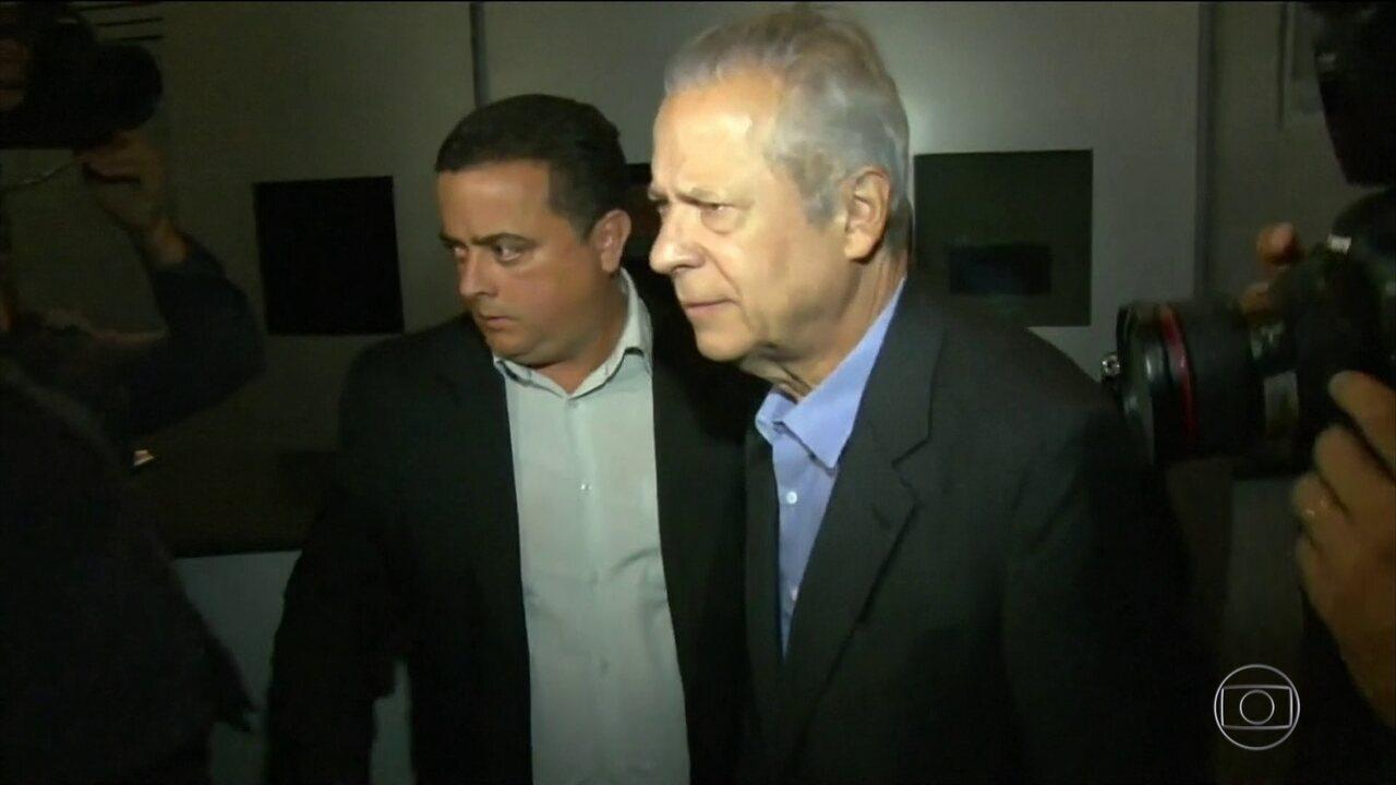 José Dirceu tem que se entregar à polícia até sexta-feira (18) à tarde