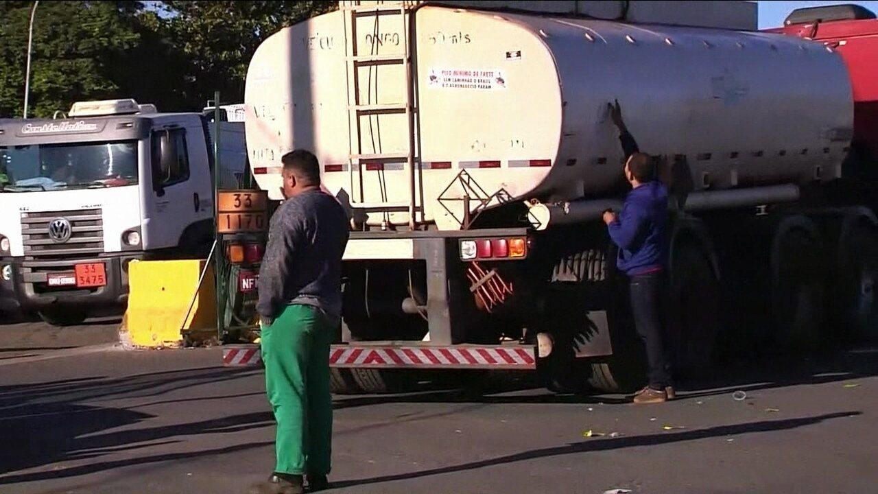 Caminhoneiros protestam contra a alta do diesel em sete estados