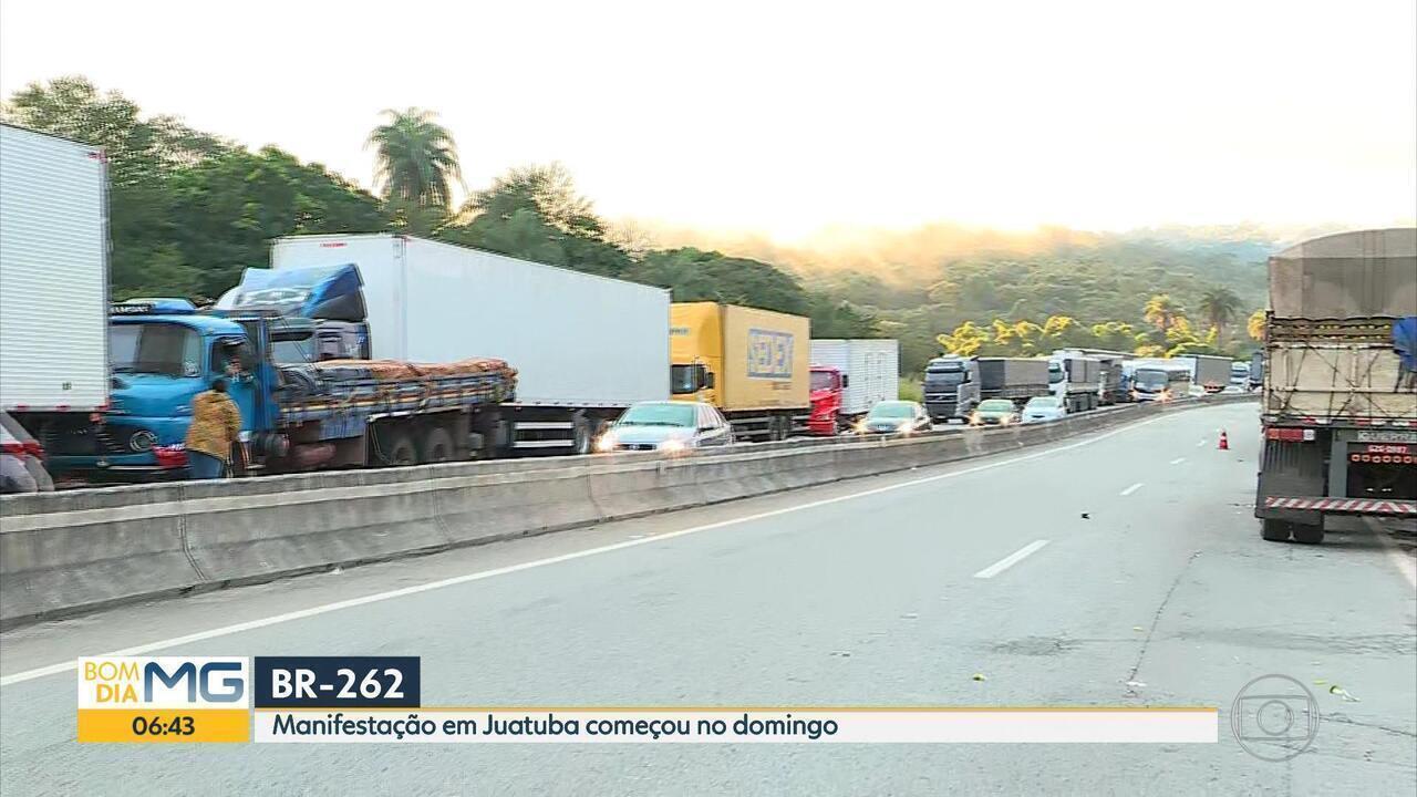 Manifestação de caminhoneiros em Juatuba teve início no domingo