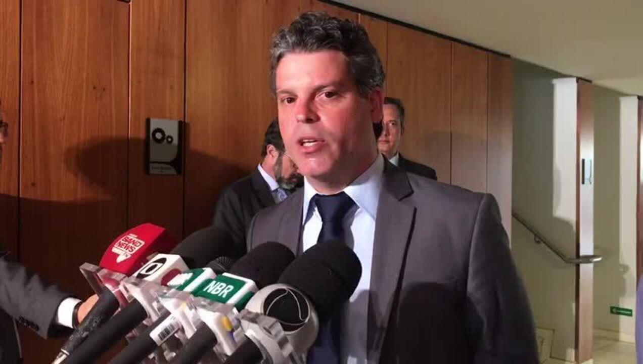 Estevan Pegoraro, presidente da Febrapo, reforça que poupadores devem procurar seus advogados para adesão na plataforma. (Laís Lis/G1)