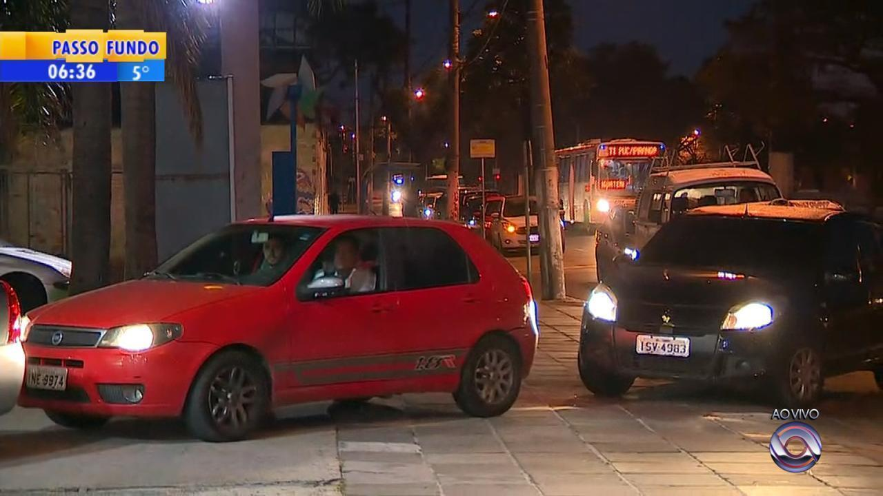 Greve dos caminhoneiros afeta circulação de ônibus em Porto Alegre