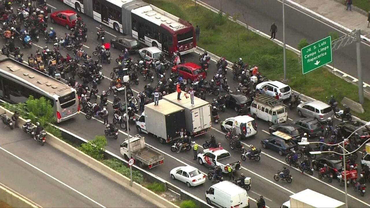 Prefeitura de SP entra na justiça contra sindicato dos caminhoneiros