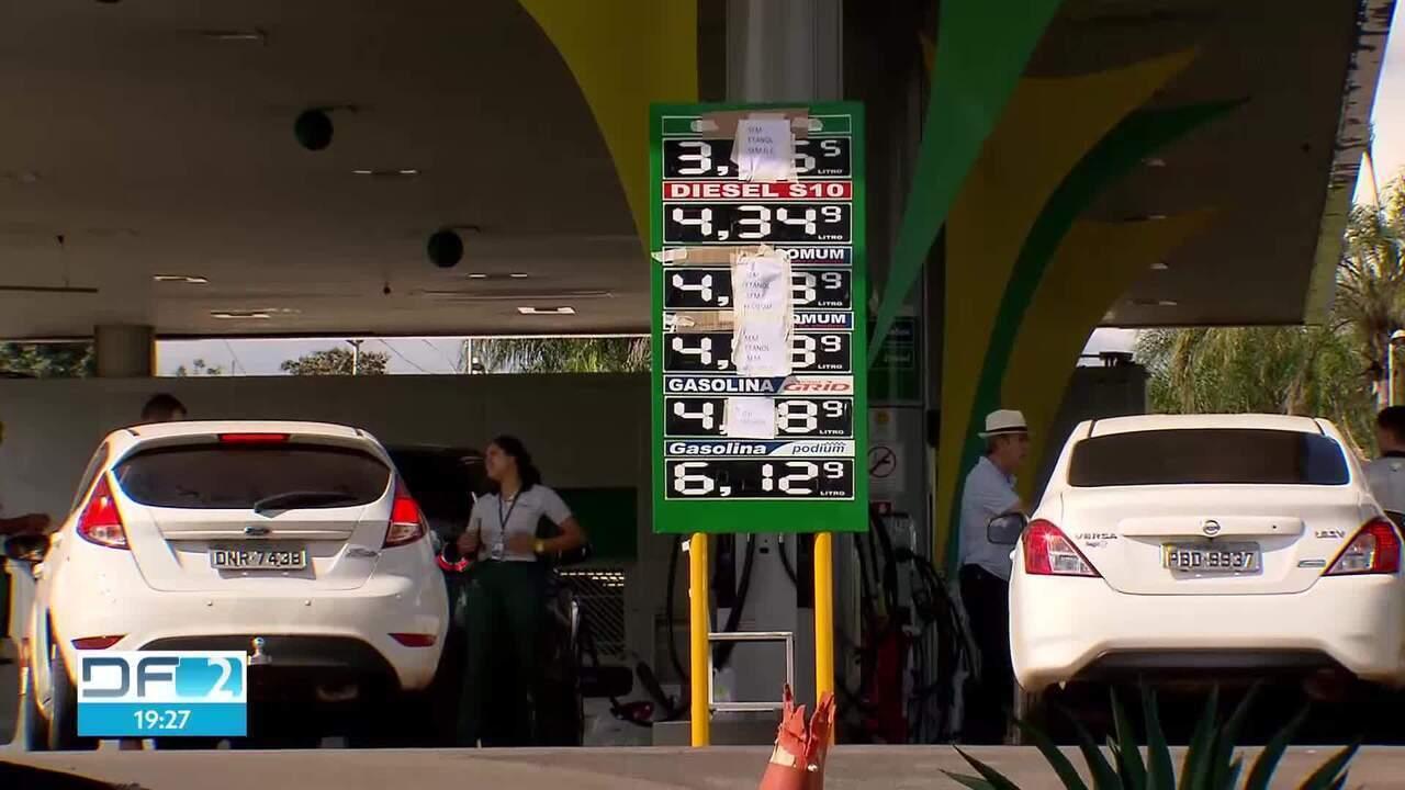 Com desabastecimento, postos cobram preços abusivos por combustíveis