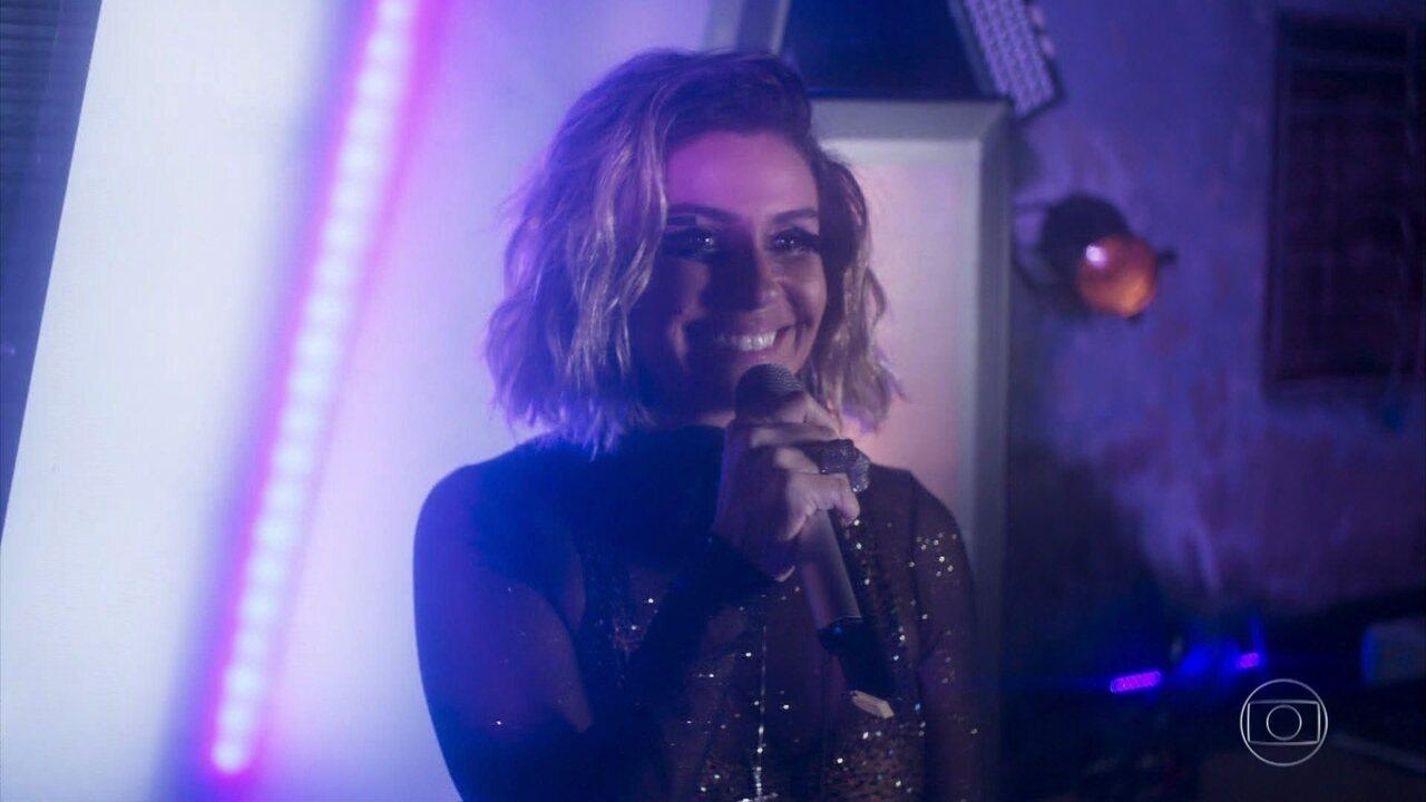 Luzia/Ariella dedica seu show em Salvador a Manuela