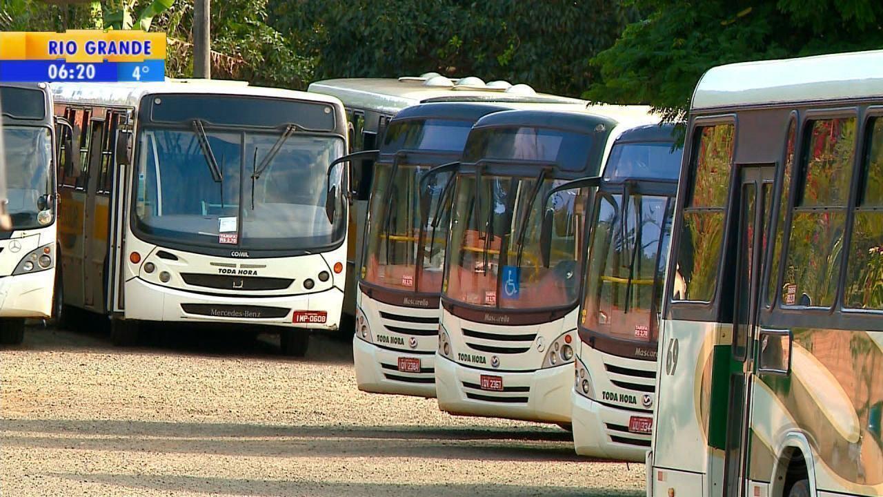 Greve de caminhoneiros impacta serviços nos municípios gaúchos