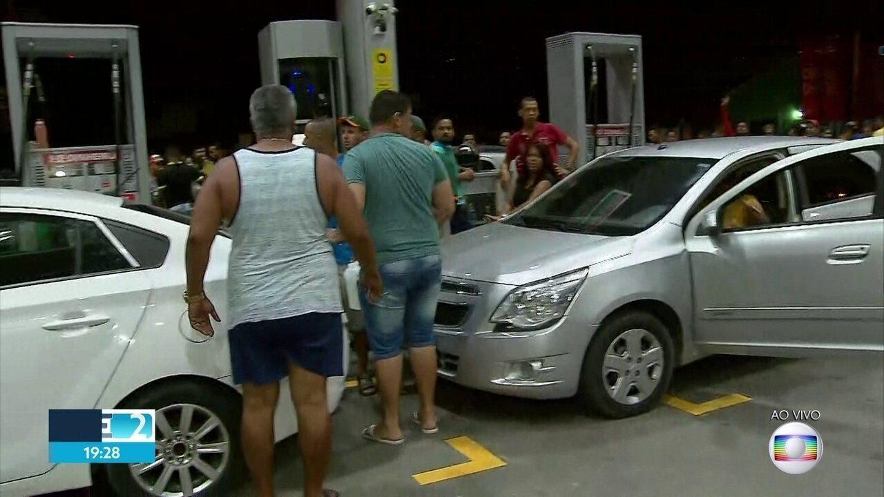 Busca por combustível causa filas e tumulto em postos na Região Metropolitana do Recife
